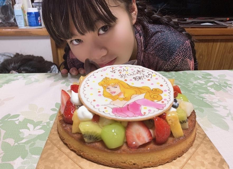 姉妹アイドルユニット「LocaKaRi(ロキャカリ)」のKanonのお誕生日